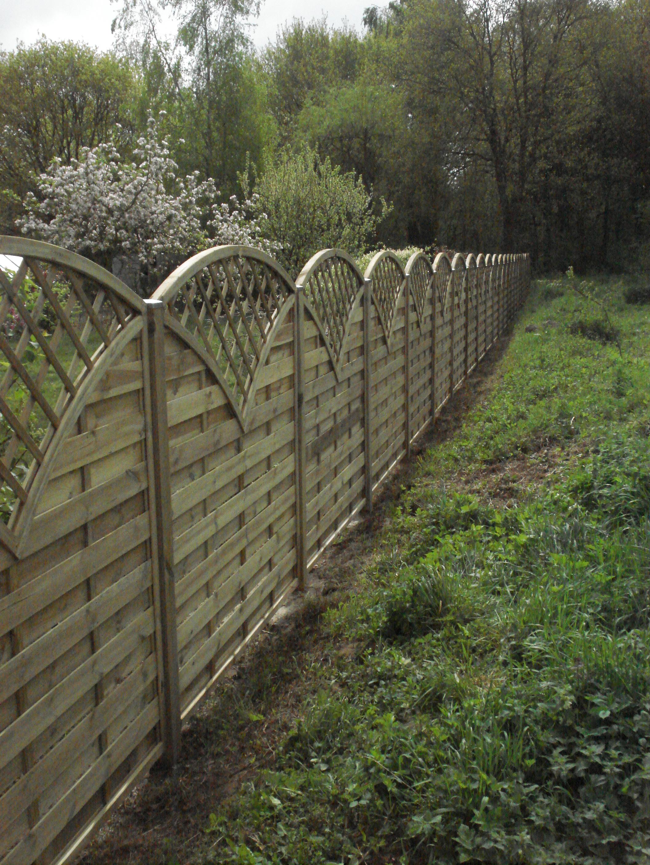 Lu0027entreprise DL Jardin Est Spécialisée Dans La Pose De Clôtures Qui Se  Déclinent En Divers Matériaux Et Divers Styles